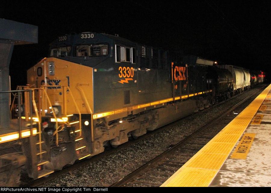 CSX 3330 on Q438